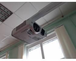 Інтерактивні мультимедійні комплекси - до послуг школярів