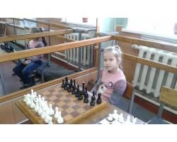 Юна шахістка з Чугуєва  посіла призове місце в обласному чемпіонаті з шахів!