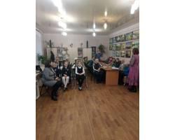 В приміщенні Територіального центру соціального обслуговування (надання соціальних послуг) Чугуївської міської ради відбувся творчий вечір Вербовської  Надії  в літературно-поетичному клубі «Свеча».