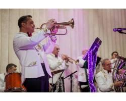 Святковий новорічний концерт народного аматорського естрадно – духового оркестру «Chuguev City Band»  -  «Блиск і розкіш мідних духових…»
