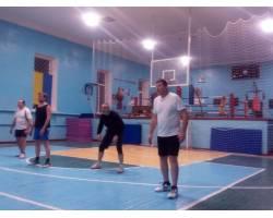Перше коло першості міста з волейболу