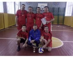 Перемогою Чугуївських волейболістів, закінчився волейбольний турнір, присвячений пам\