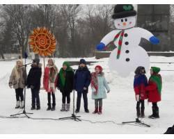 17 лютого 2018 року  на площі Соборній чугуївці святково провели Зиму та зустрічали Весну.