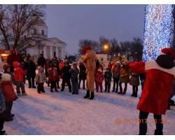 Новорічні розваги на головній площі Чугуєва від Чугуївського БДЮТ