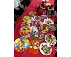 мастер-класс з оформлення святкових страв з млинців