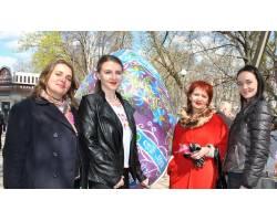 Освітяни Чугуєва представили свою мальованку на Фестивалі Писанок
